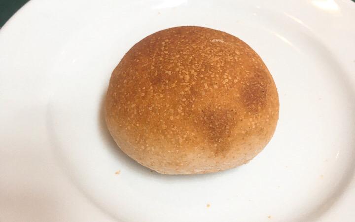 白ごまロールパン