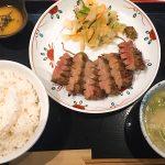 牛たん焼き仙台辺見に家族で訪問 厚切りのおいしい牛タンが食べられる
