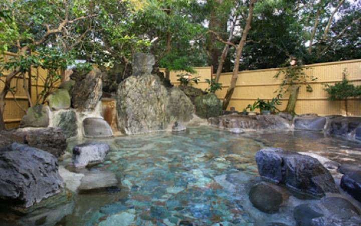 緑風園の露天風呂