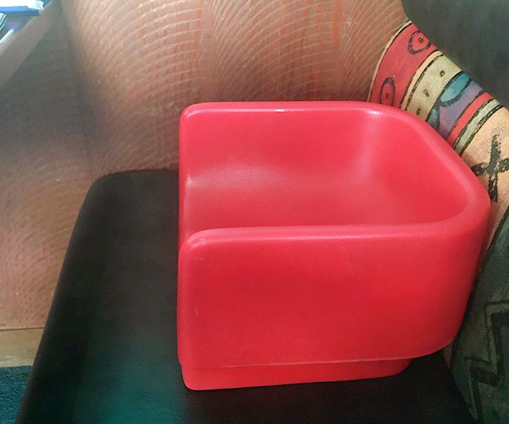 幼児用の椅子