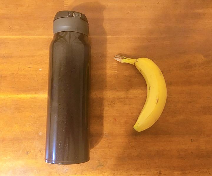 ケータイマグとバナナの比較