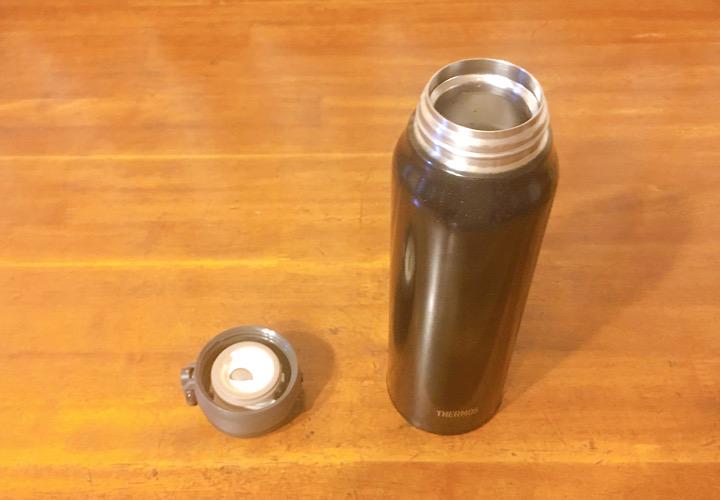 ボトル本体とキャップ