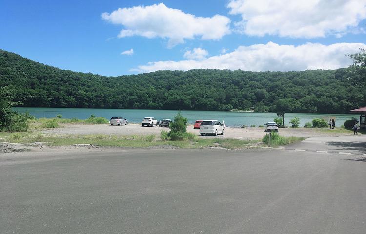 潟沼の駐車場